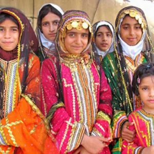 balochi-dress-in-Iran
